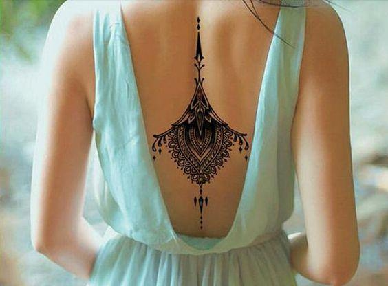 Tatuaże Dla Dziewczynki Z Tyłu 102 Najlepsze Pomysły Na Zdjęciu