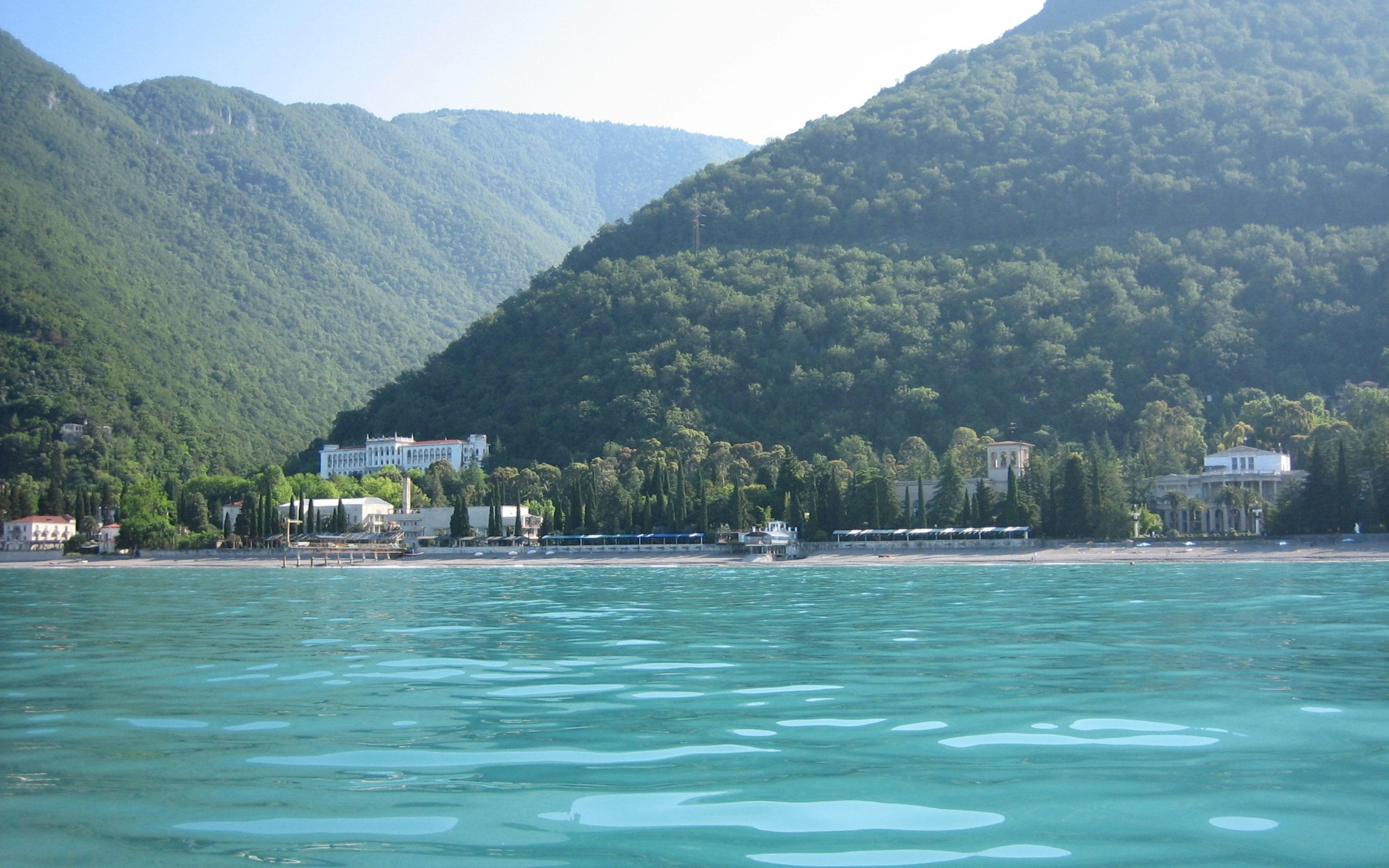 Черно море в Абхазия