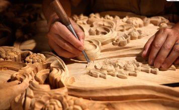 Kunst der Holzschnitzerei