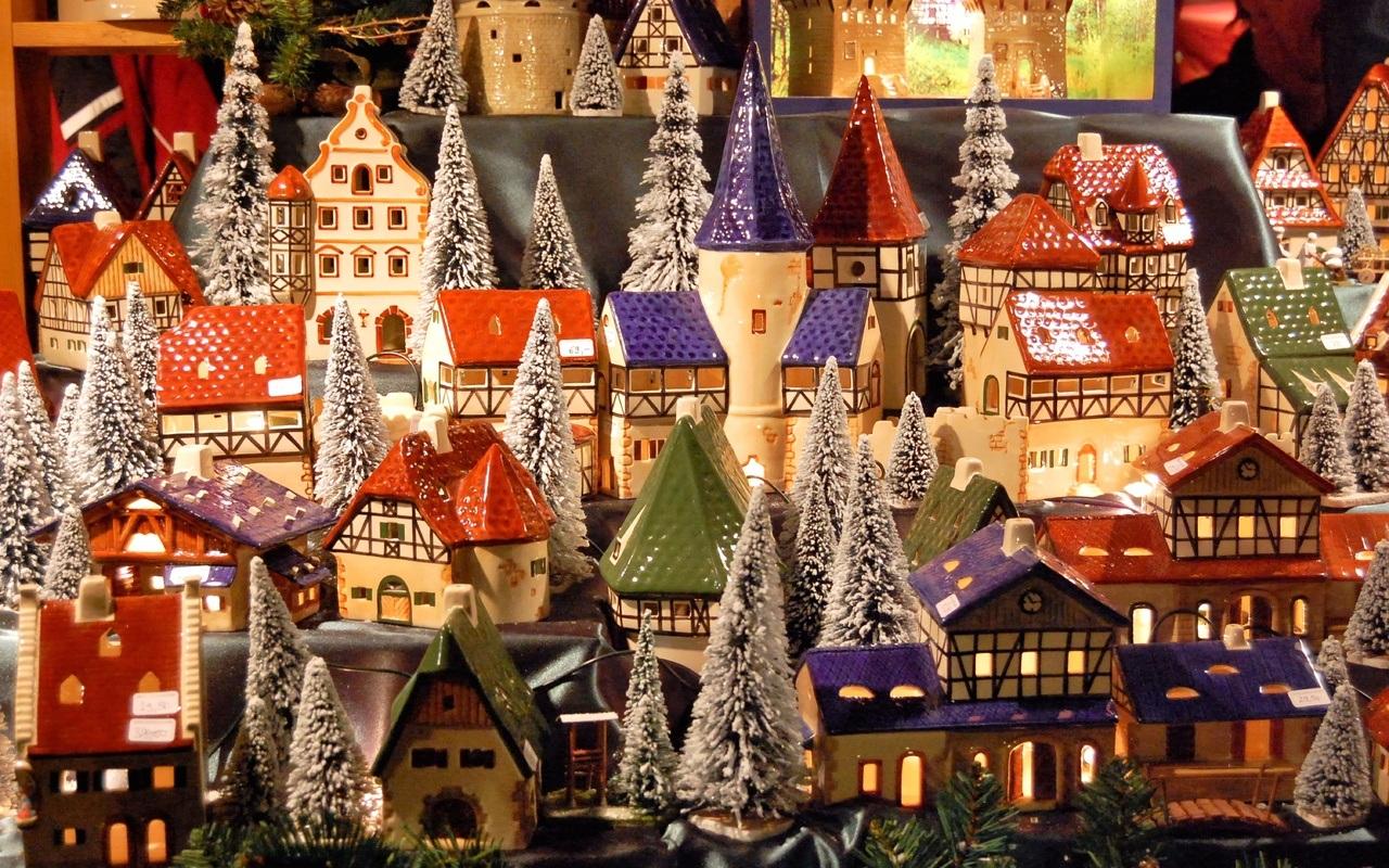 Pueblo de juguete de navidad