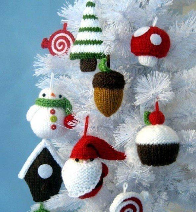 Hechizos de punto para el árbol de navidad.