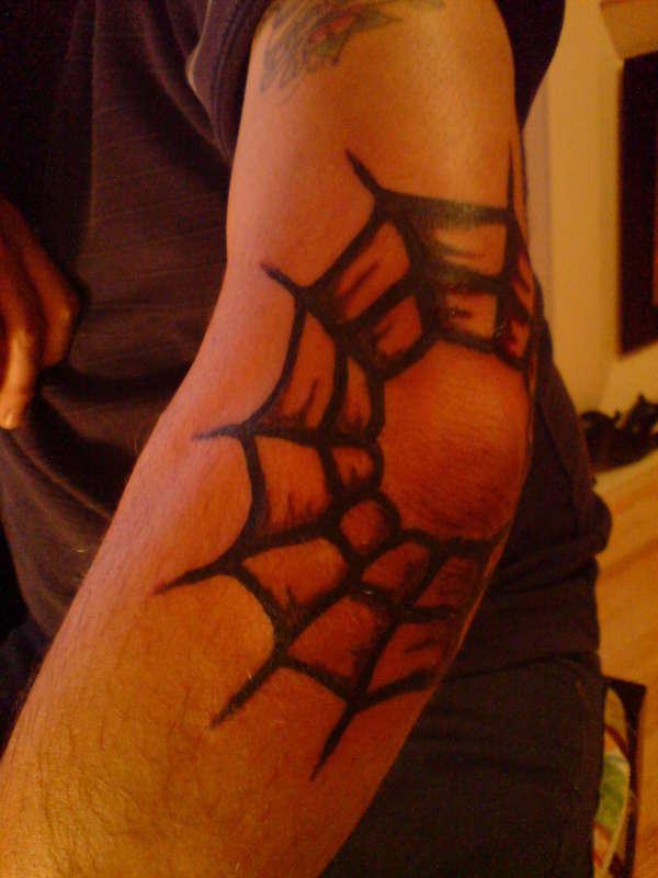 татуировка на лакътя