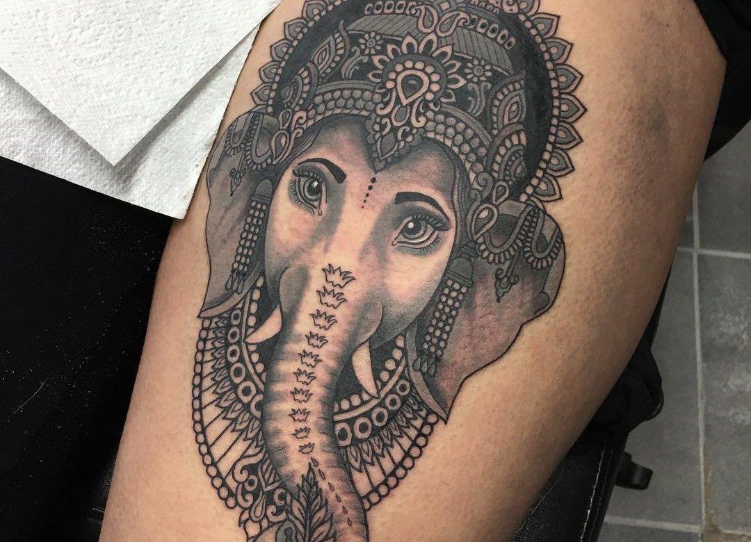 tetování na lidské noze
