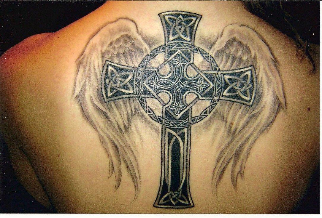 upoznavanje djevojke s tetovažama